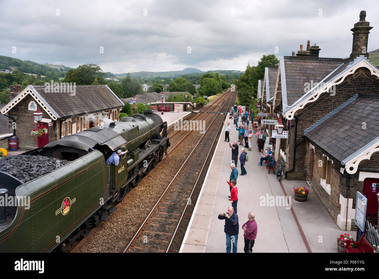 Steam locomotive 'Scots Guardsman' takes The Fellsman special train through Settle Station, Settle, North - Stock Image