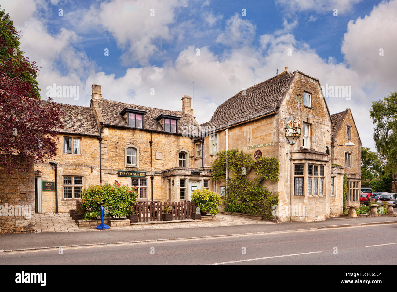 The Old New Inn, Bourton-on-the-Water, Gloucestershire, England - Stock Image