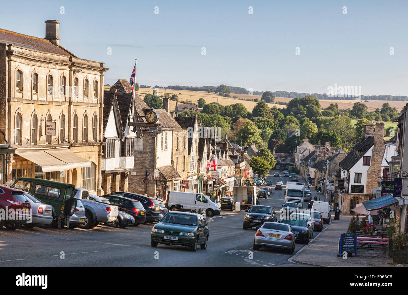 Heavy traffic in the Cotswolds village of Burford, Oxfordshire, England - Stock Image