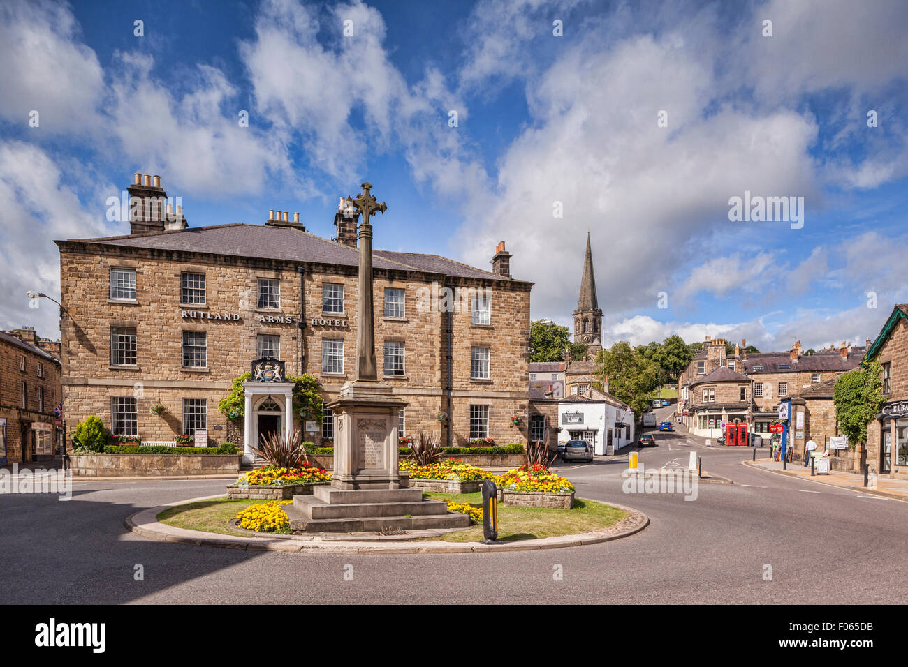 The centre of the Peak District town of Bakewell, with the Rutland Arms Hotel, Bakewell, Derbyshire, England - Stock Image