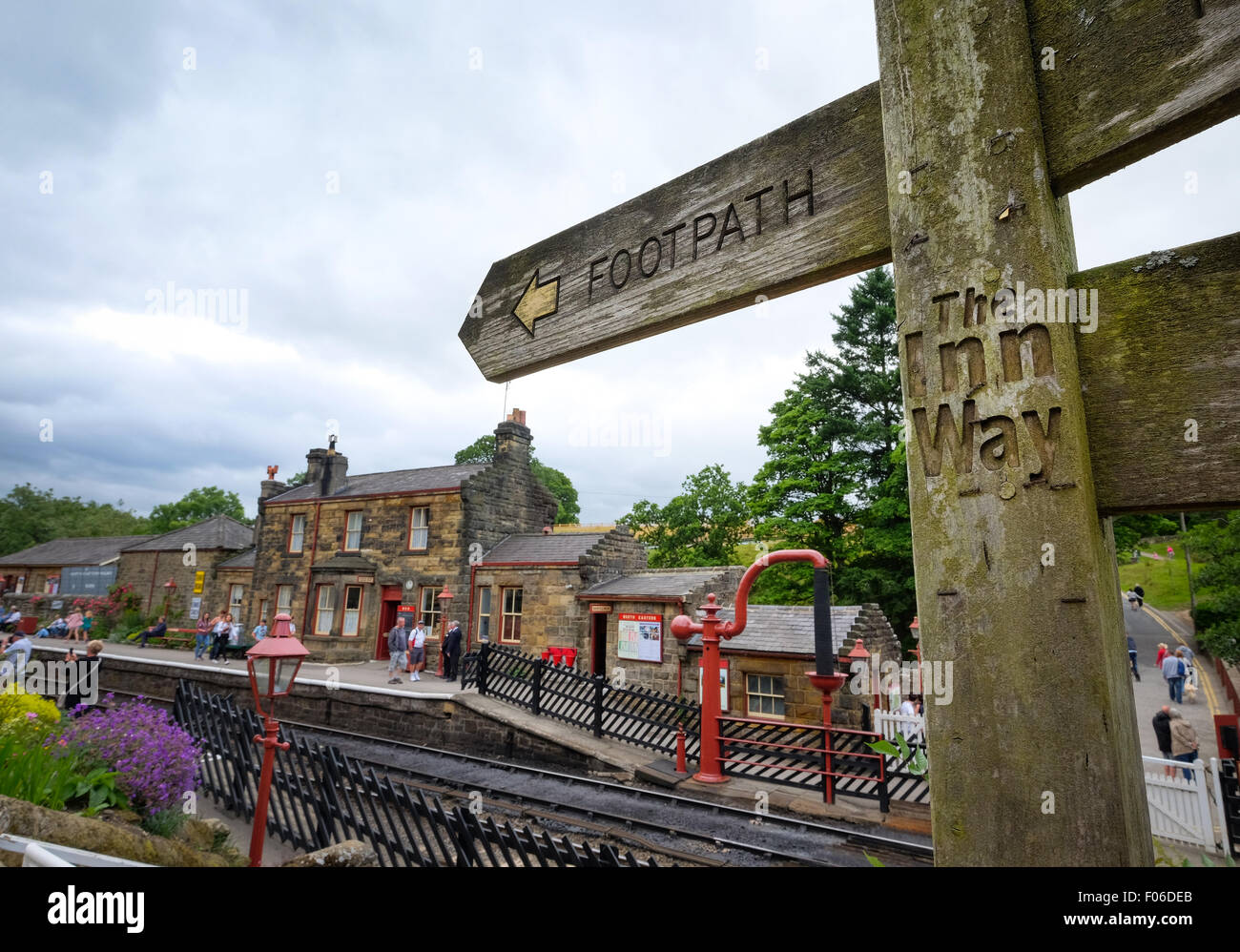 Sign post for The Inn Way at Goathland railway station in North Yorkshire National Park - Stock Image