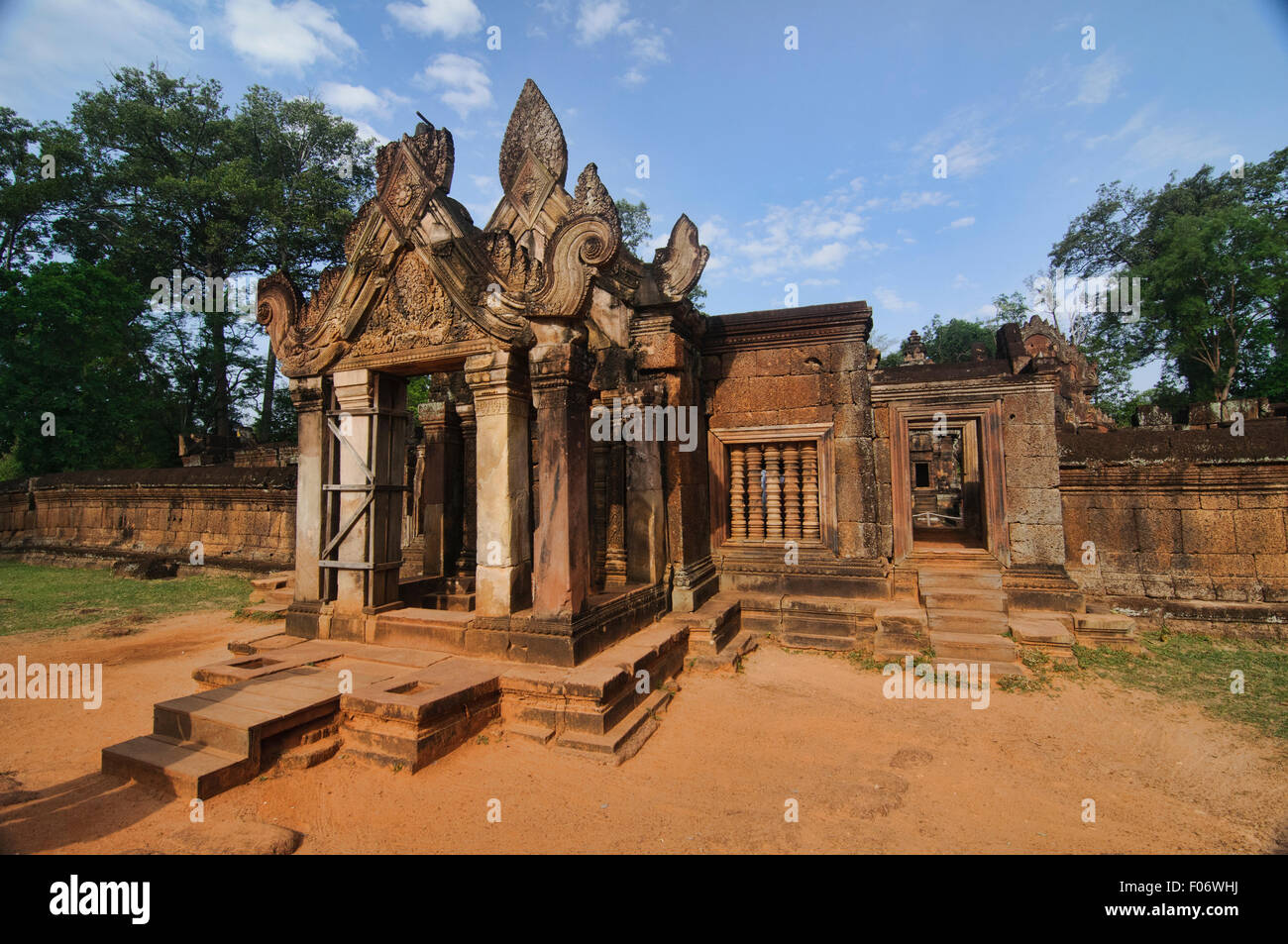 Entrance at Banteay Srei temple, Angkor Wat in Siem Reap, Cambodia - Stock Image