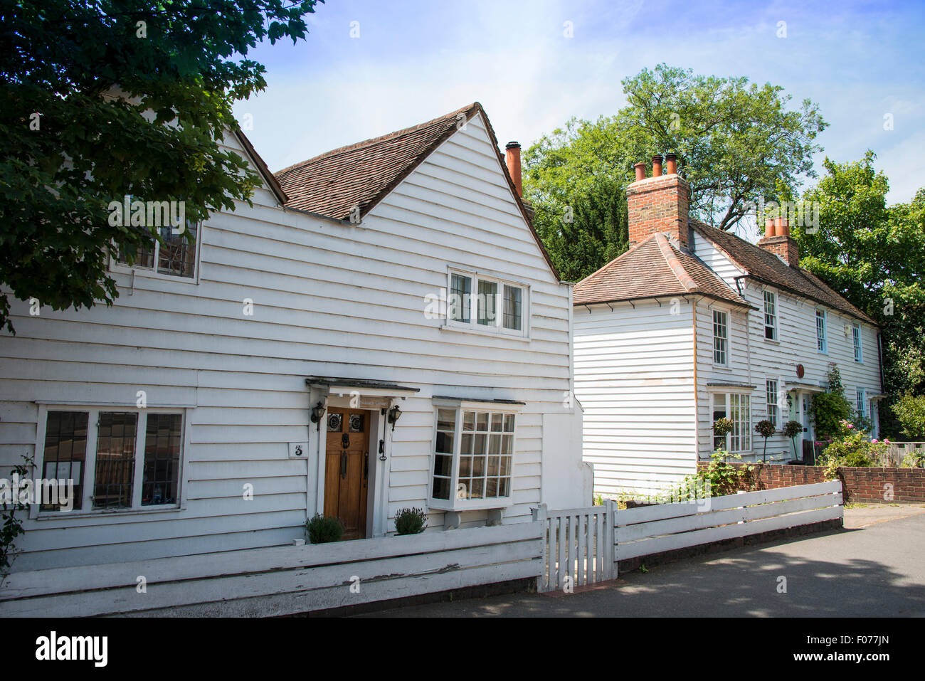 17th Century wooden cottages, Malden Road, Cheam Village, London Borough of Sutton, Greater London, England, United - Stock Image