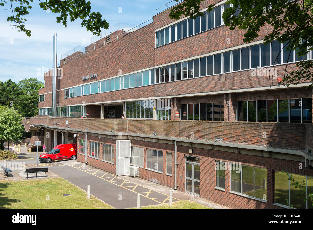 Central Library, Cheam Road, Sutton, London Borough of Sutton, Greater London, England, United Kingdom - Stock Image