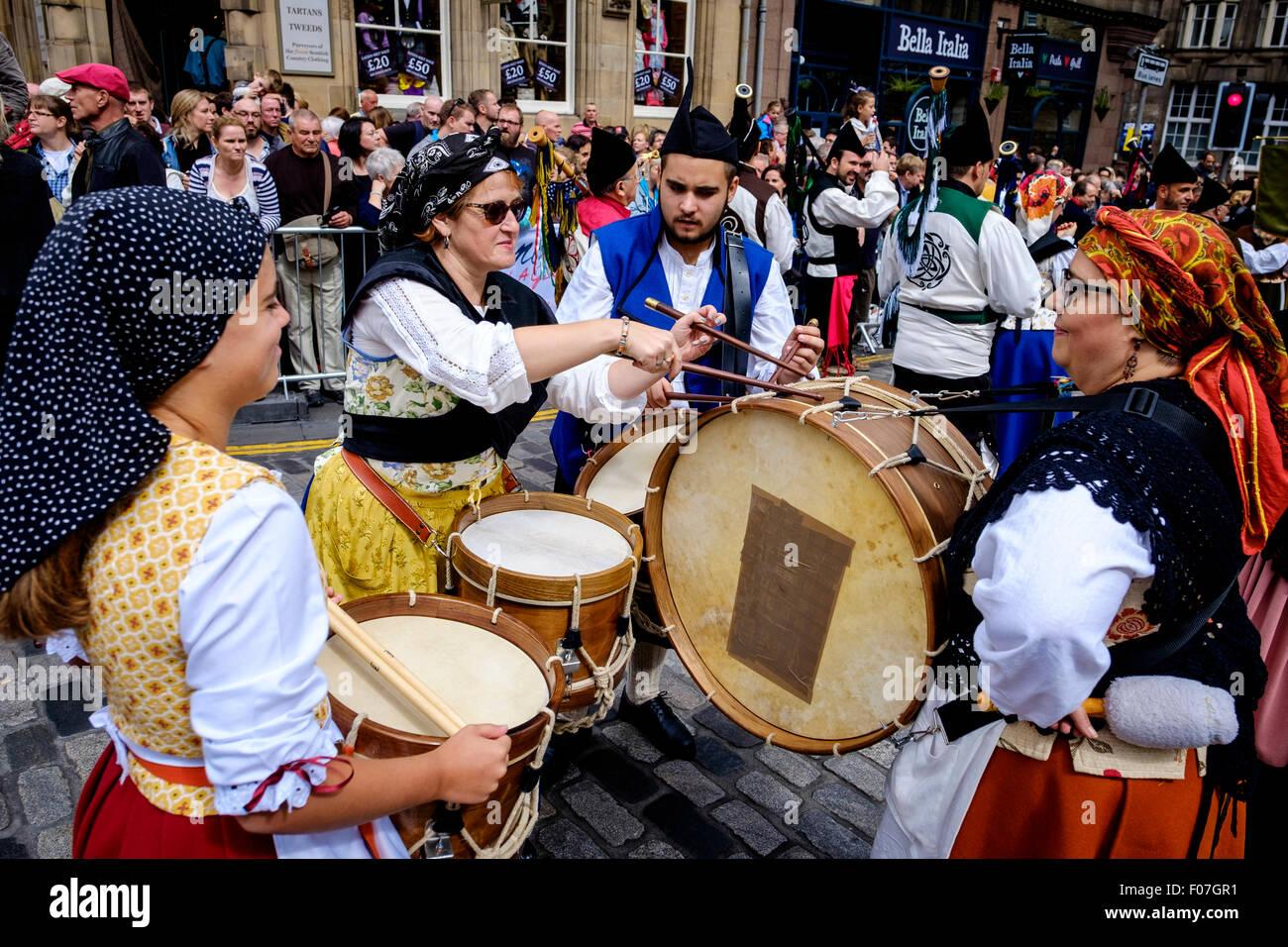 Drummers from Banda De Gaitas Resping from Madrid, Spain at Pipefest 2015 Edinburgh - Stock Image