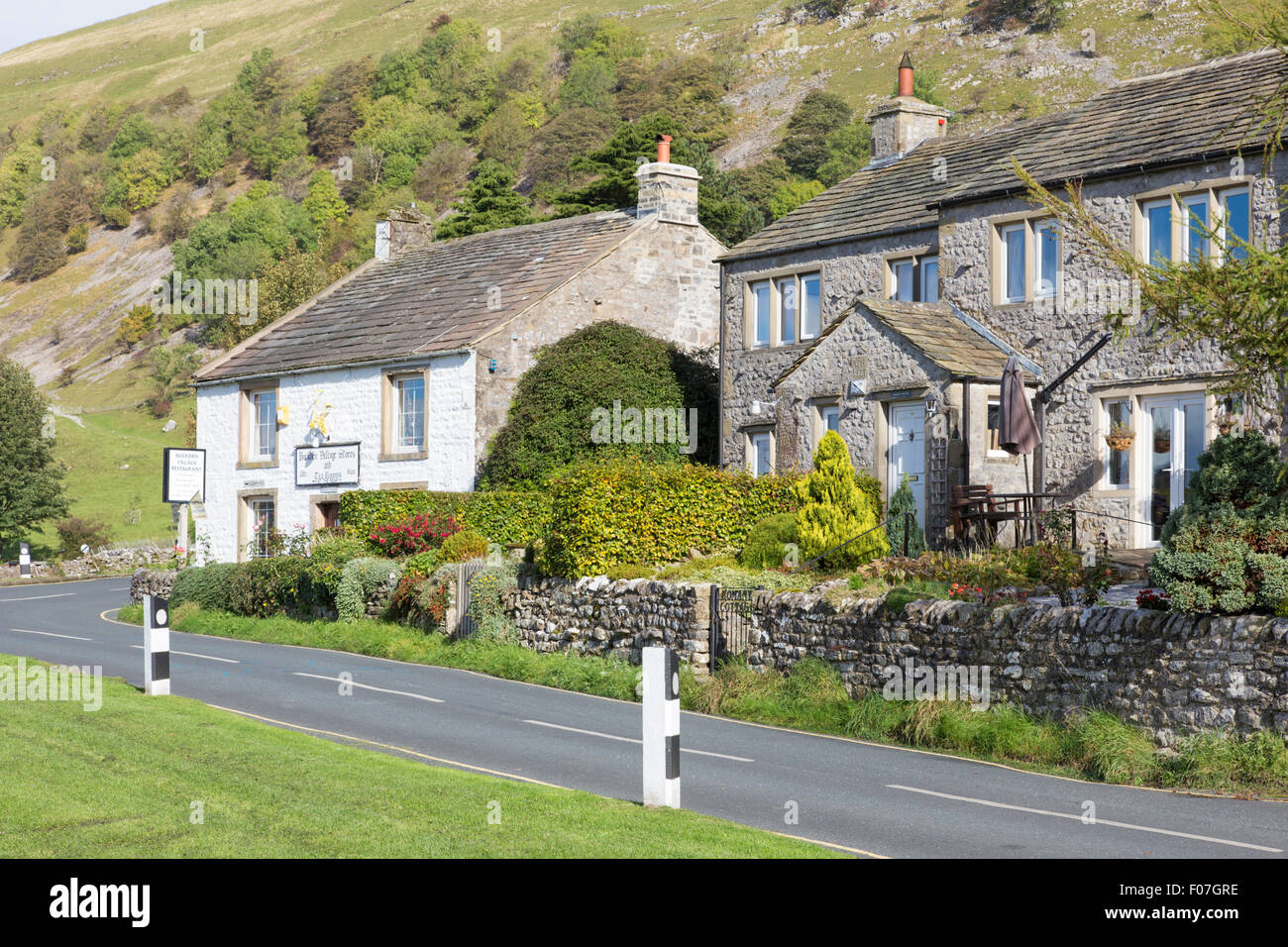 Cottages and the village store, Buckden, Wharfdale, Yorkshire Dales National Park, North Yorkshire, England, UK - Stock Image