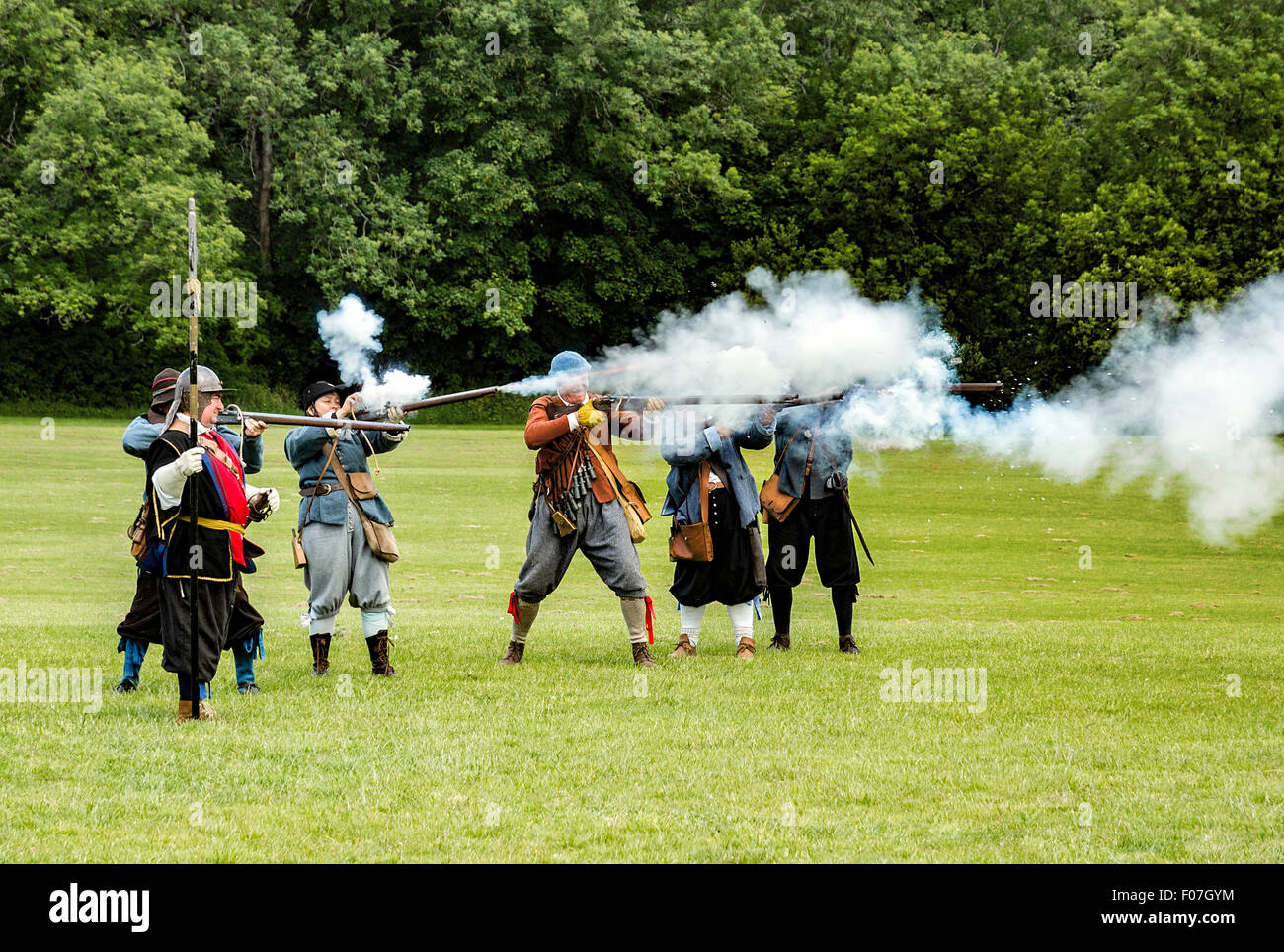 Members of the Sealed Knot society taking part in a re-enactment of the battle of Polson Bridge, Launceston, Cornwall, - Stock Image