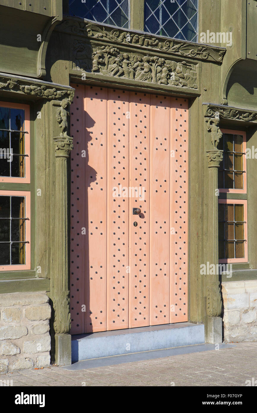 Entrance door of the medieval wooden house named 'De Duiveltjes' (The Little Devils) at the Haverwerf in - Stock Image