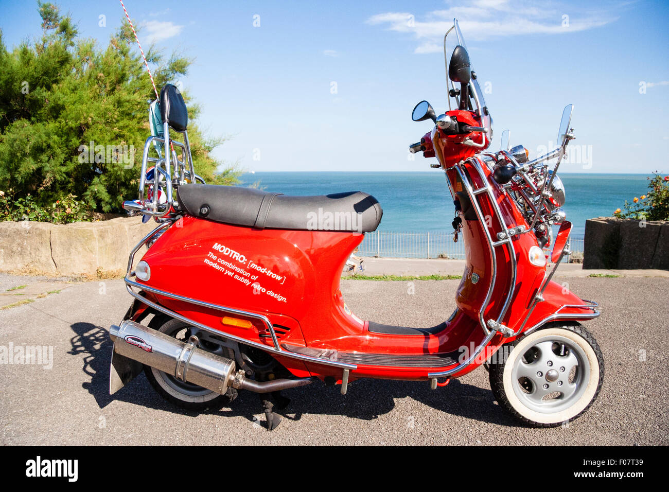 motor scooter vespa et4 125 modified many wing mirrors as per mods stock photo 86224413 alamy. Black Bedroom Furniture Sets. Home Design Ideas
