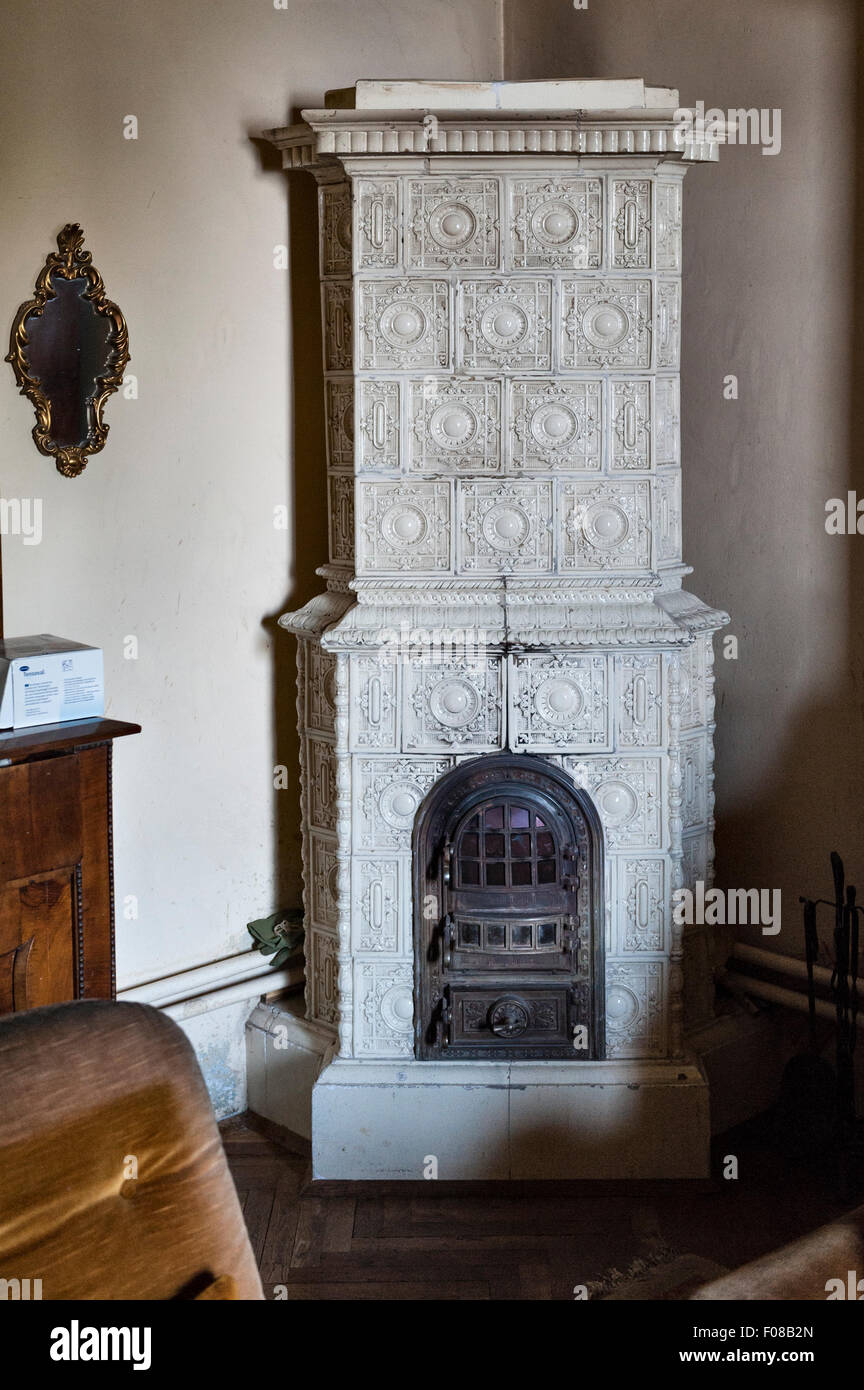 Rijeka, Croatia. A traditional porcelain stove in an old town house - Stock Image