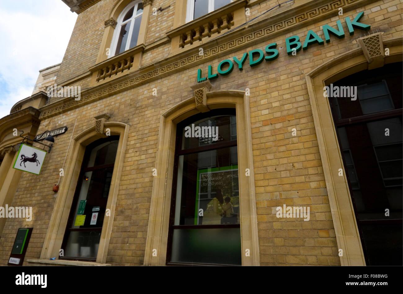 Lloyds bank, Kidderminster Branch, Vicar Street. - Stock Image