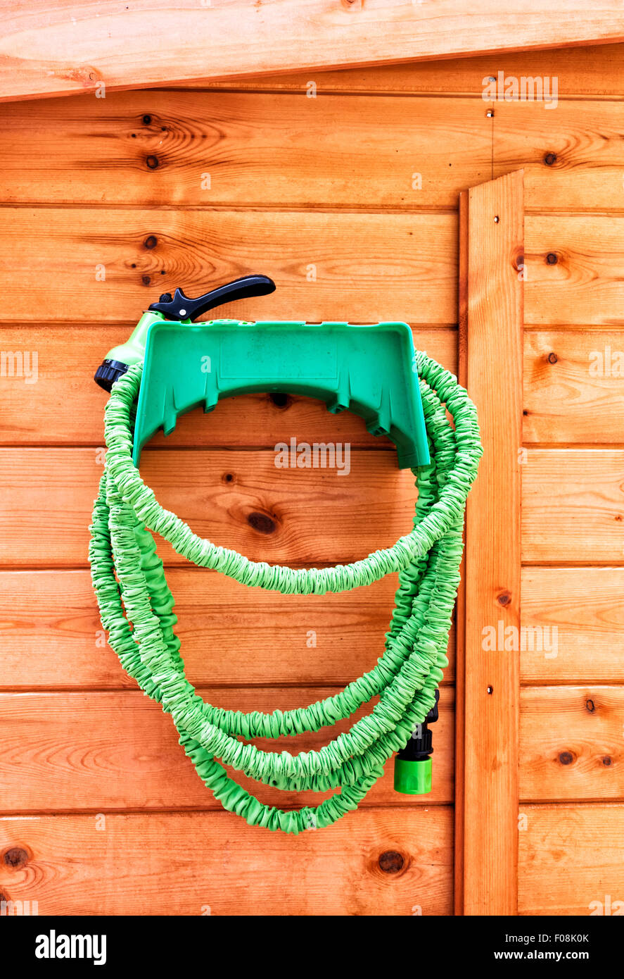 how to keep garden hose from kinking