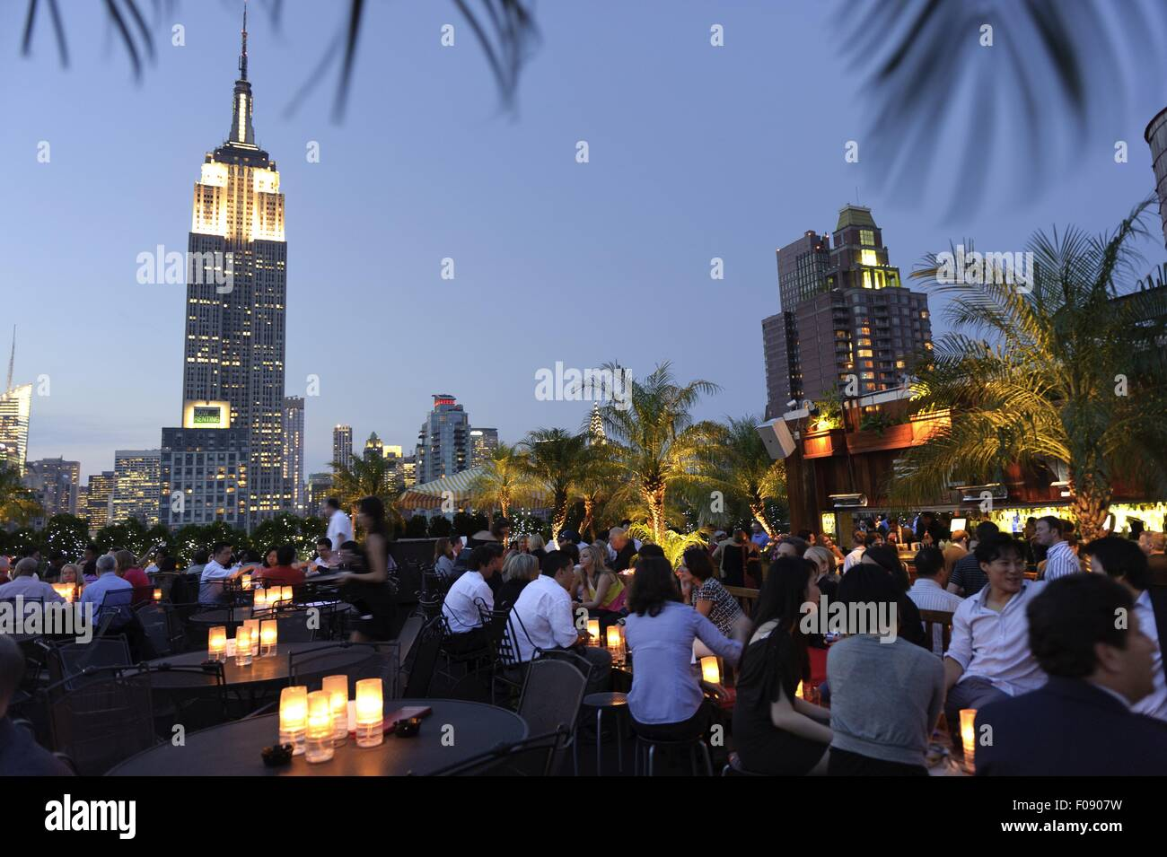 Rooftop Bar at 230 Fifth Avenue in New York, USA Stock ...