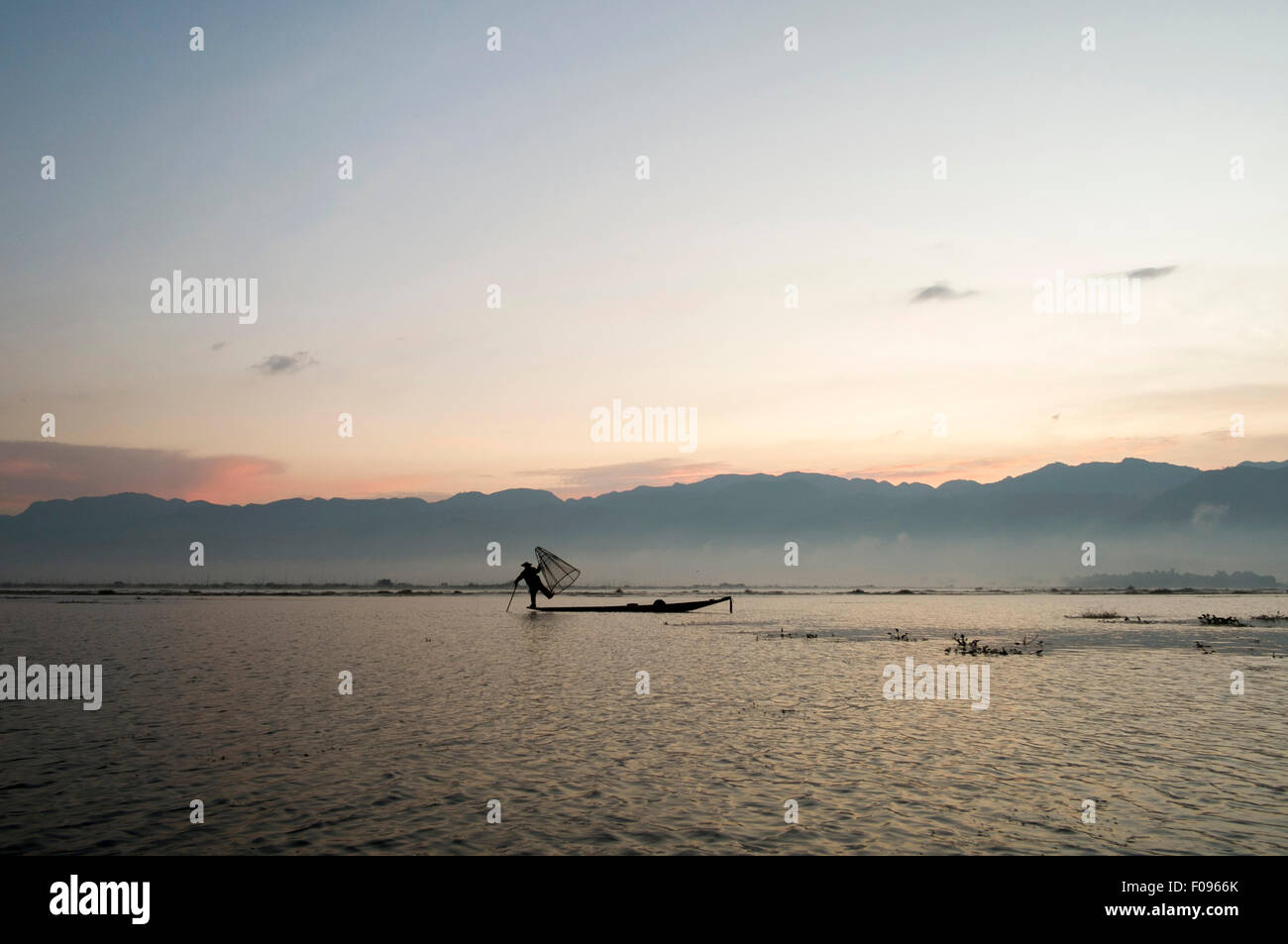 Inle Lake , Myanmar. Fisherman at sunrise - Stock Image