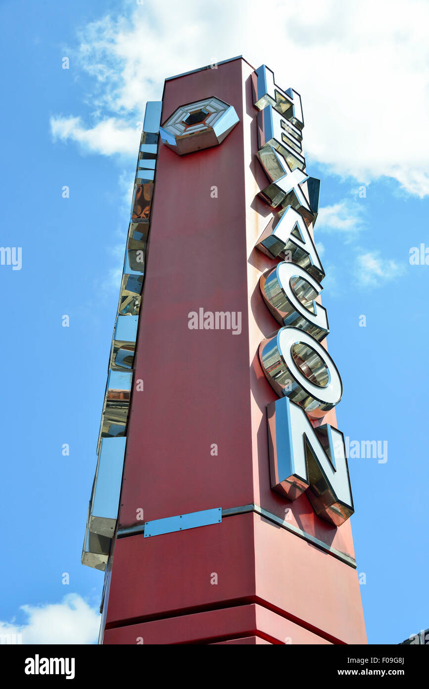 Entrance sign, The Hexagon Theatre, Queens Walk, Reading, Berkshire, England, United Kingdom - Stock Image
