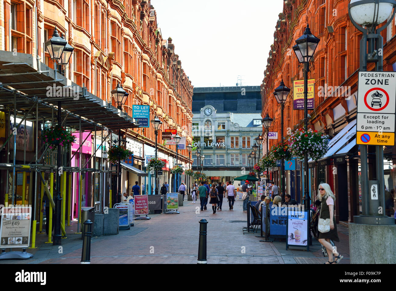 Queen Victoria Street, Reading, Berkshire, England, United Kingdom - Stock Image