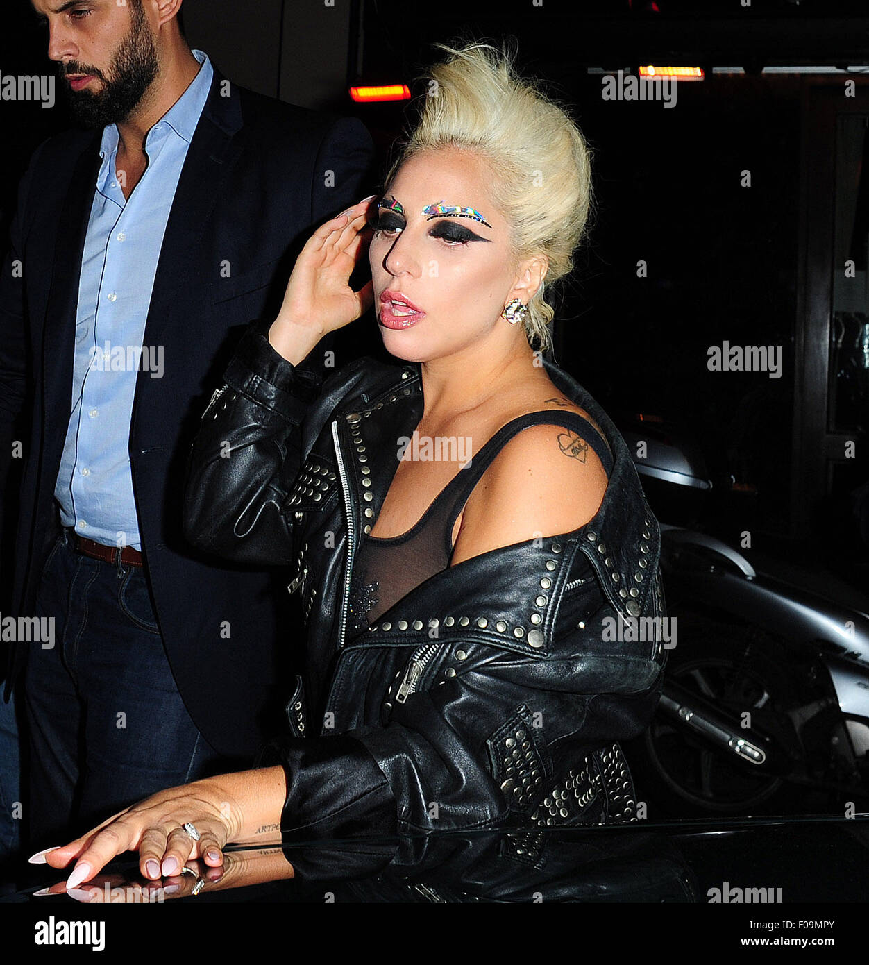 Lady Gaga departing Ronnie Scotts and being swamped by the