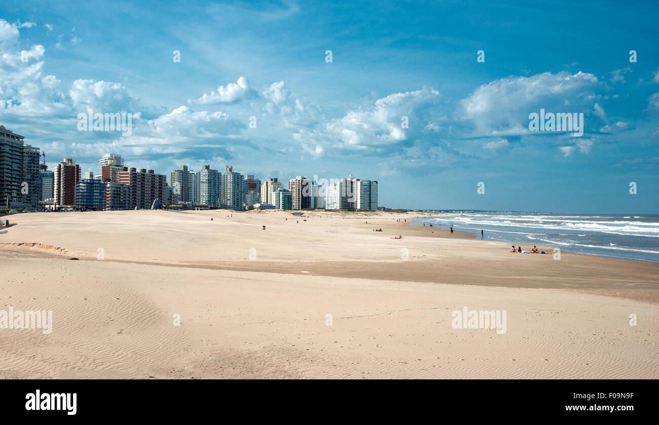 Residents of Punta del Este held on the beach unusually hot weekend in winter - August 9, 2015, In Maldonado, Uruguay - Stock Image