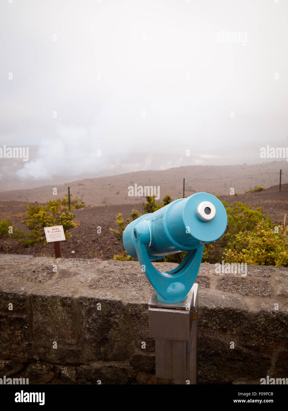 A turquoise blue viewfinder aimed at the centre of the Halema'uma'u Crater and Kilauea Caldera, Hawai'i - Stock Image