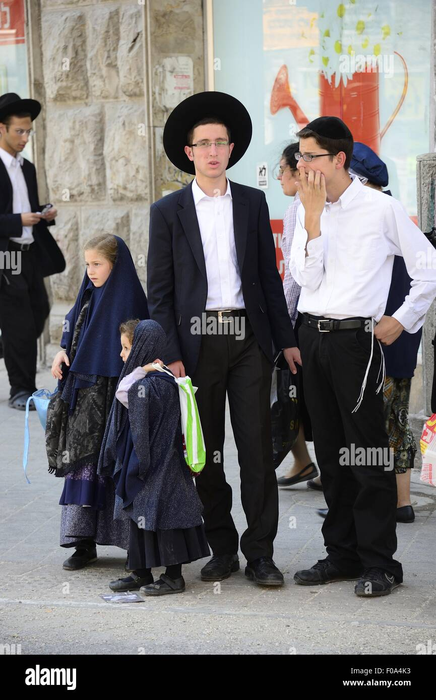 Haredi Jews In Israel: Ultra-Orthodox Jews And Haredi Judaism At Mea Shearim