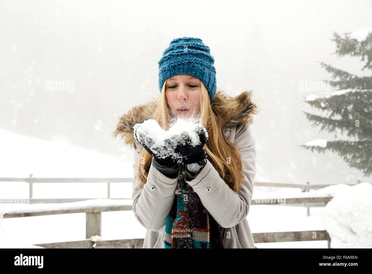 c60ee1b34ca85 Blowing Powder Stock Photos   Blowing Powder Stock Images - Alamy