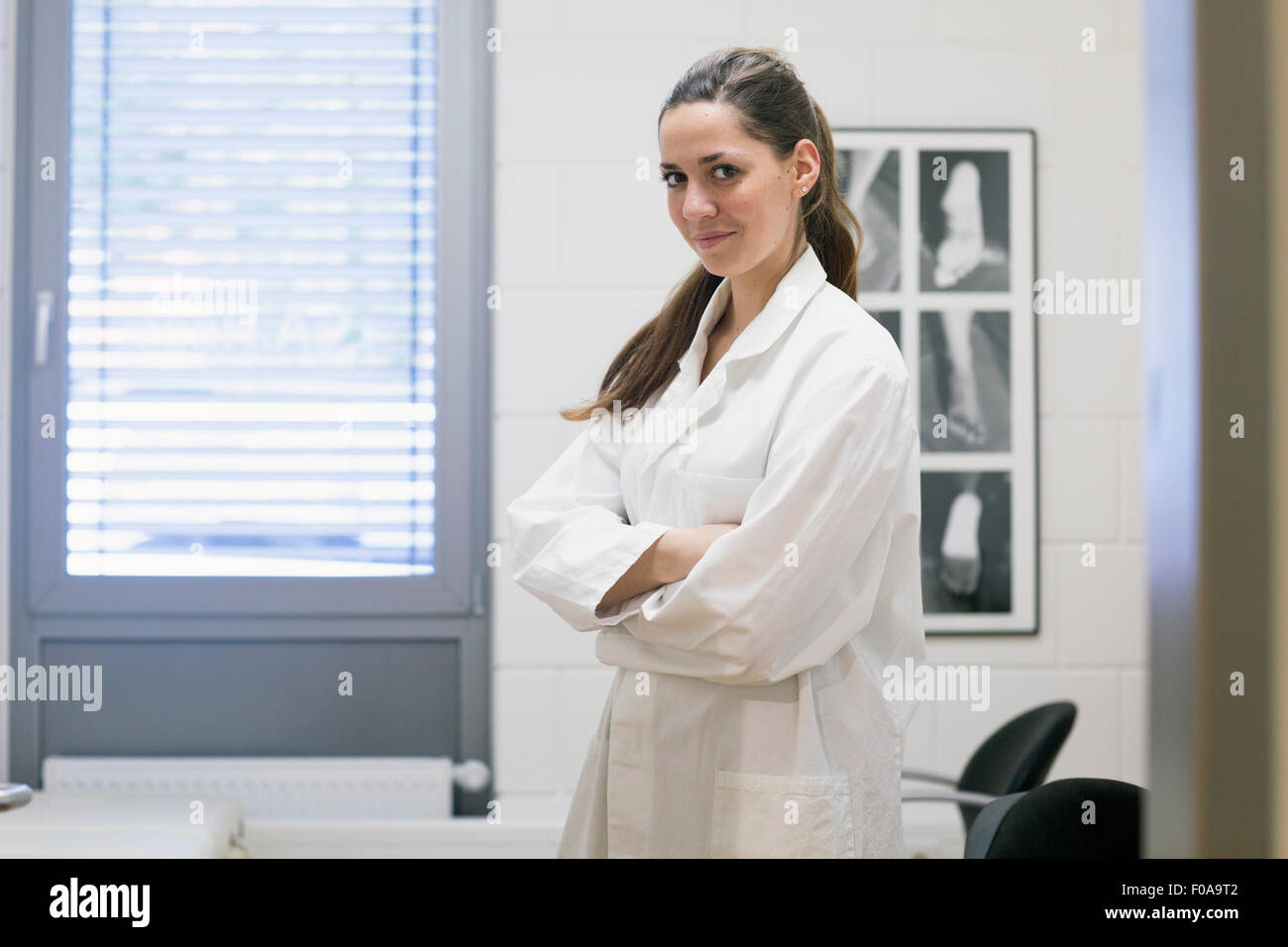 Portrait of young female orthopedic doctor in clinic Stock Photo ...