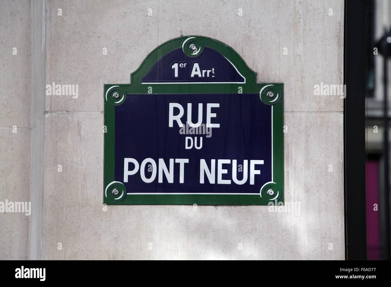 Street sign Rue du Pont Neuf in Paris France - Stock Image