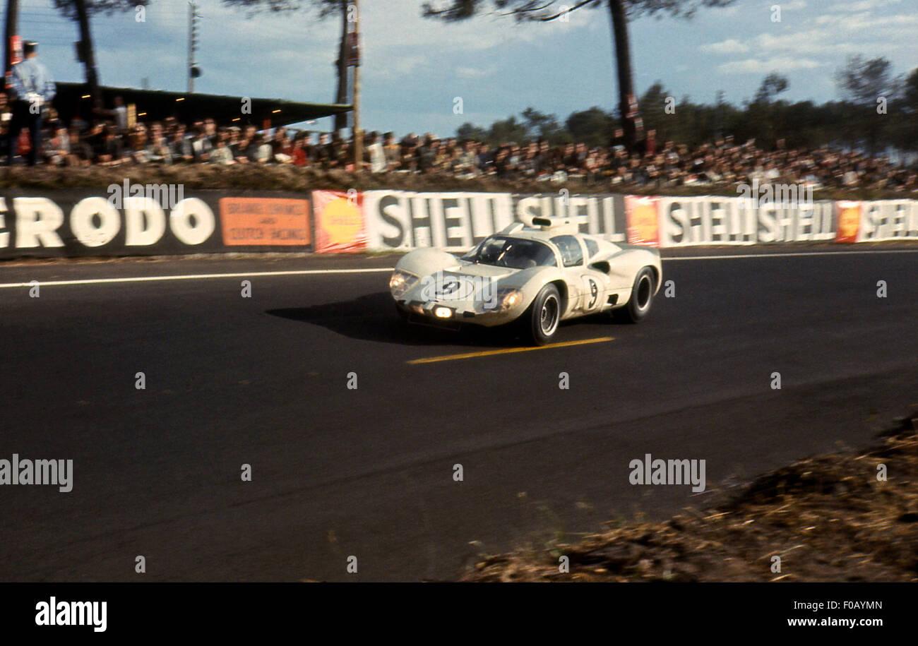 Le Mans 24 Hours 19th June 1966 Jo Bonnier,Phil Hill Chaparral 2D. - Stock Image