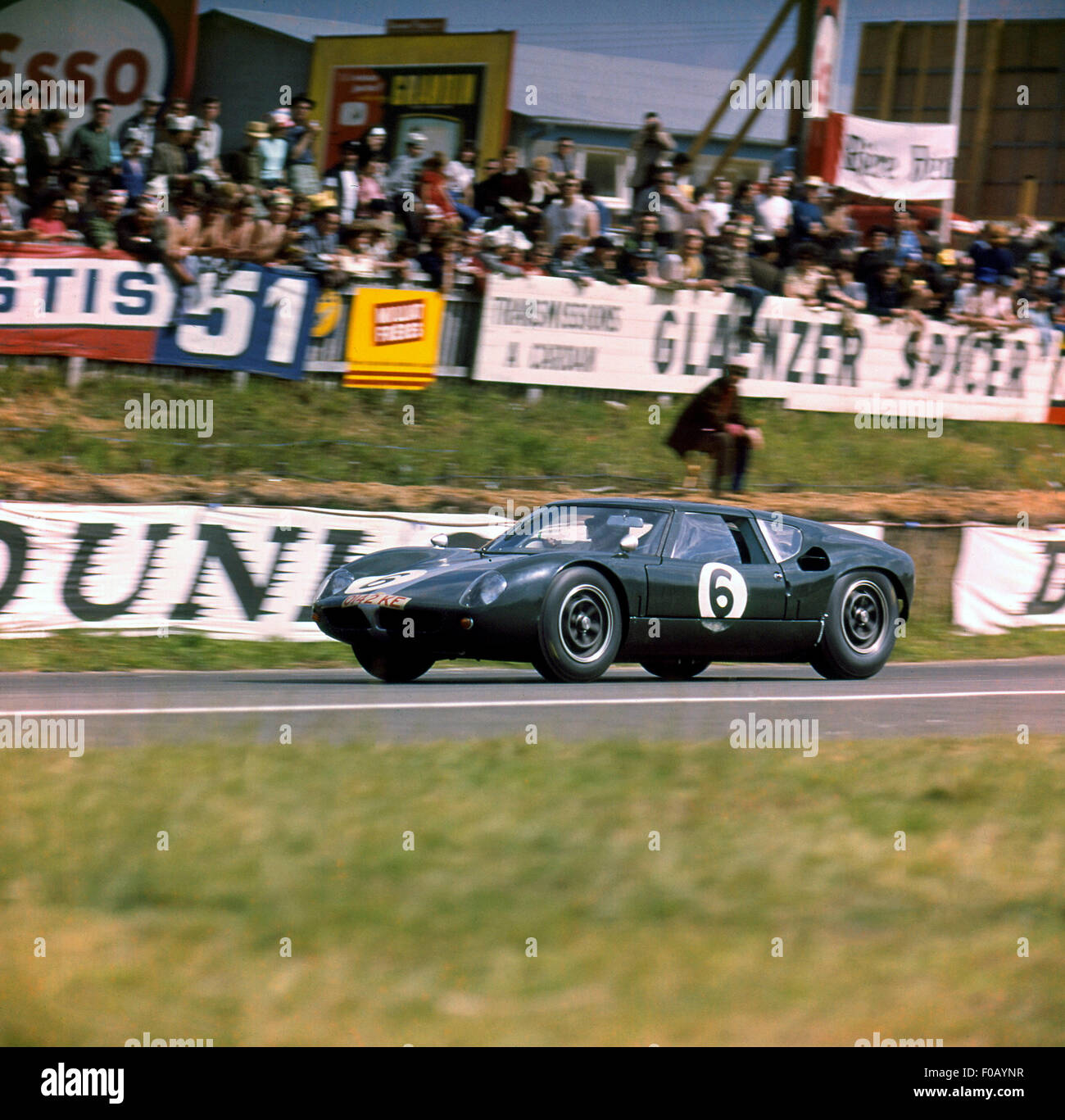 Le Mans 16th June 1963. Richard Attwood,David Hobbs Lola Mk.6 GT Ford. - Stock Image