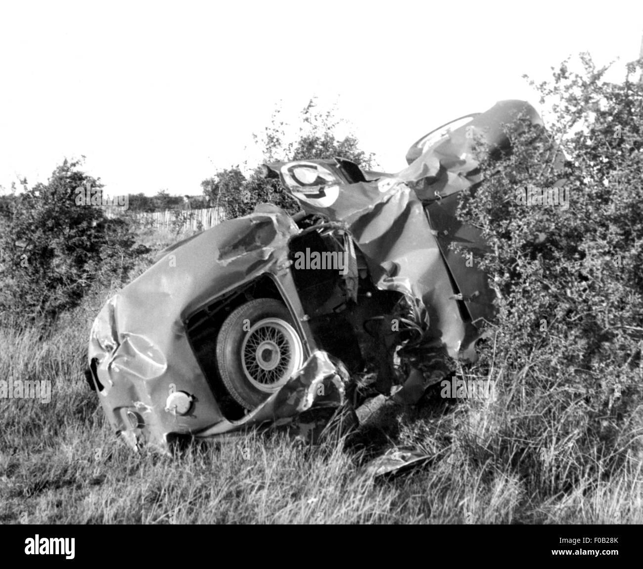 Crashed Ferrari of Oliver Gendebien at the 1955 Dundrod TT - Stock Image