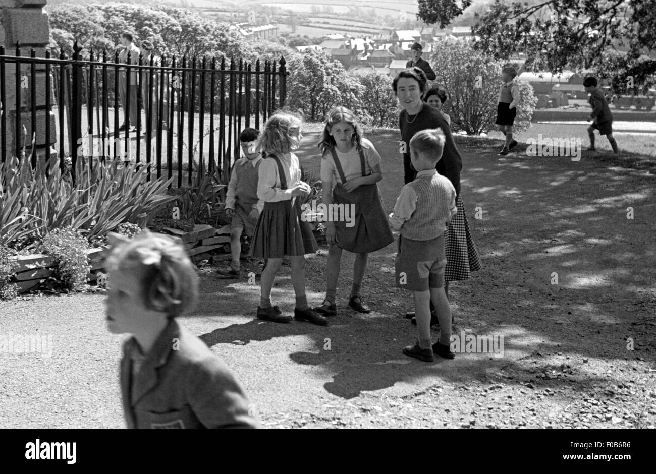 1940s Kids Clothing Stock Photos & 1940s Kids Clothing ...