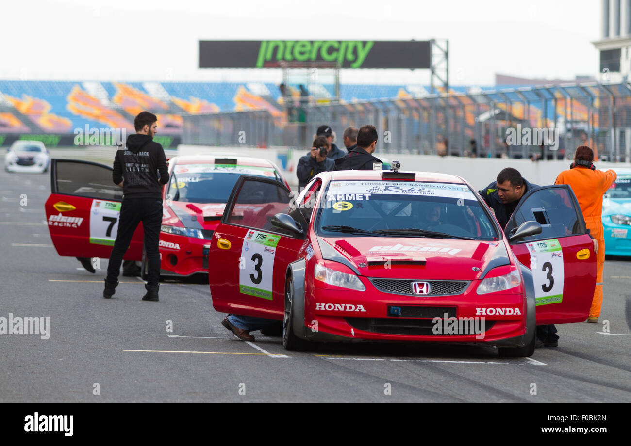 ISTANBUL, TURKEY - NOVEMBER 02, 2014: Touring Cars in Start of Turkish Touring Car Championship Race in Istanbul - Stock Image
