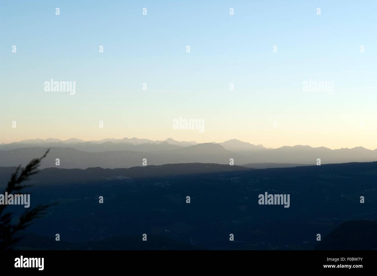 Bergprofil, Abend, Abendstimmung, profil, Oetztaler; Alpen; Seiser; Alm; Blick, Zillertaler - Stock Image