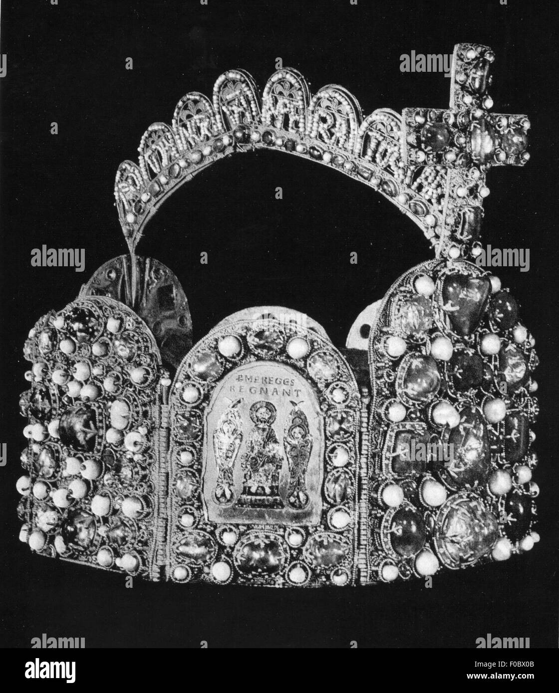 crowns / crown jewels, Holy Roman Empire, imperial crown of the kings and emperors, second half 10th century, chromolithograph, - Stock Image