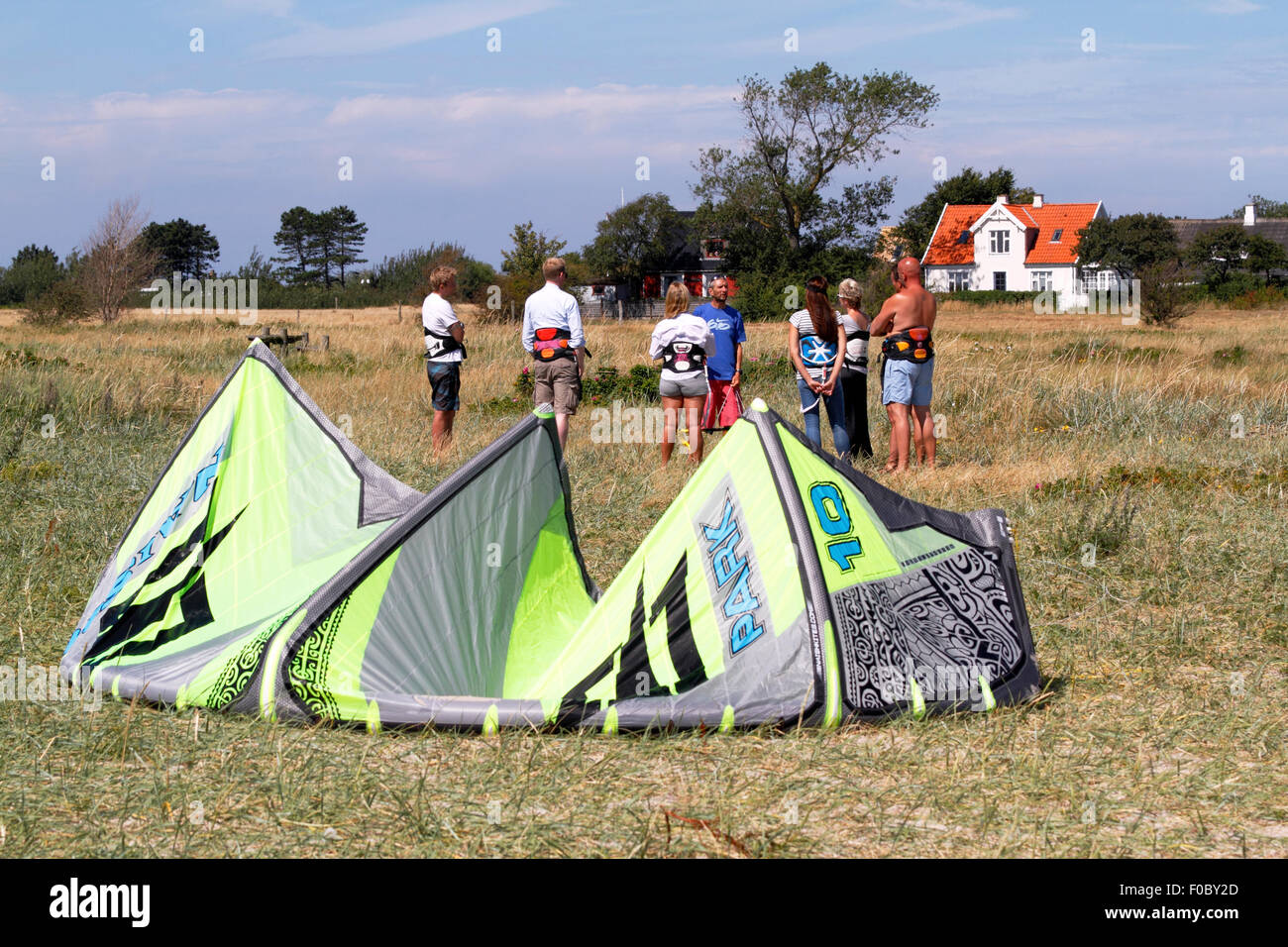 Introductory briefing to kitesurfing at Lynæs Surf Centre, Hundested, Denmark - Stock Image