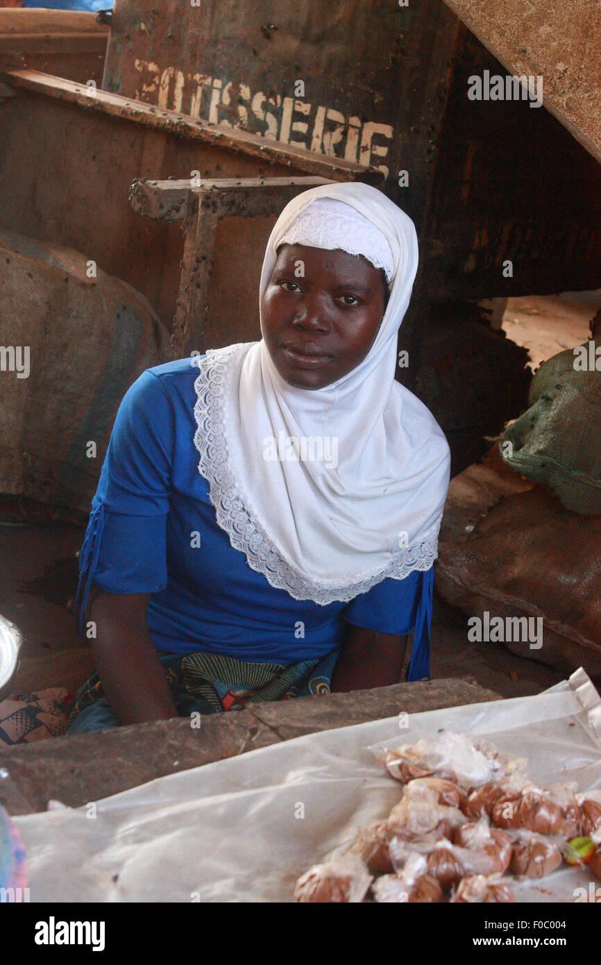 BANDIAGARA, MALI - SEPTEMBER 28, 2008:  Unidentified woman in the market in bandiagara in the Mopti region in Mali Stock Photo