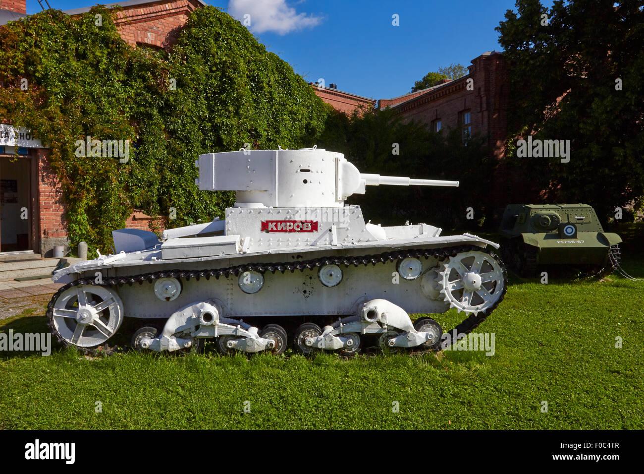 تصویر: https://c8.alamy.com/comp/F0C4TR/the-russian-kirov-t26-tank-hmeenlinna-finland-F0C4TR.jpg