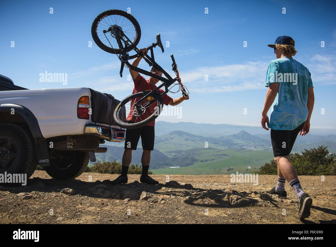 Cyclists preparing for mountain biking, San Luis Obispo, California, United States of America - Stock Image