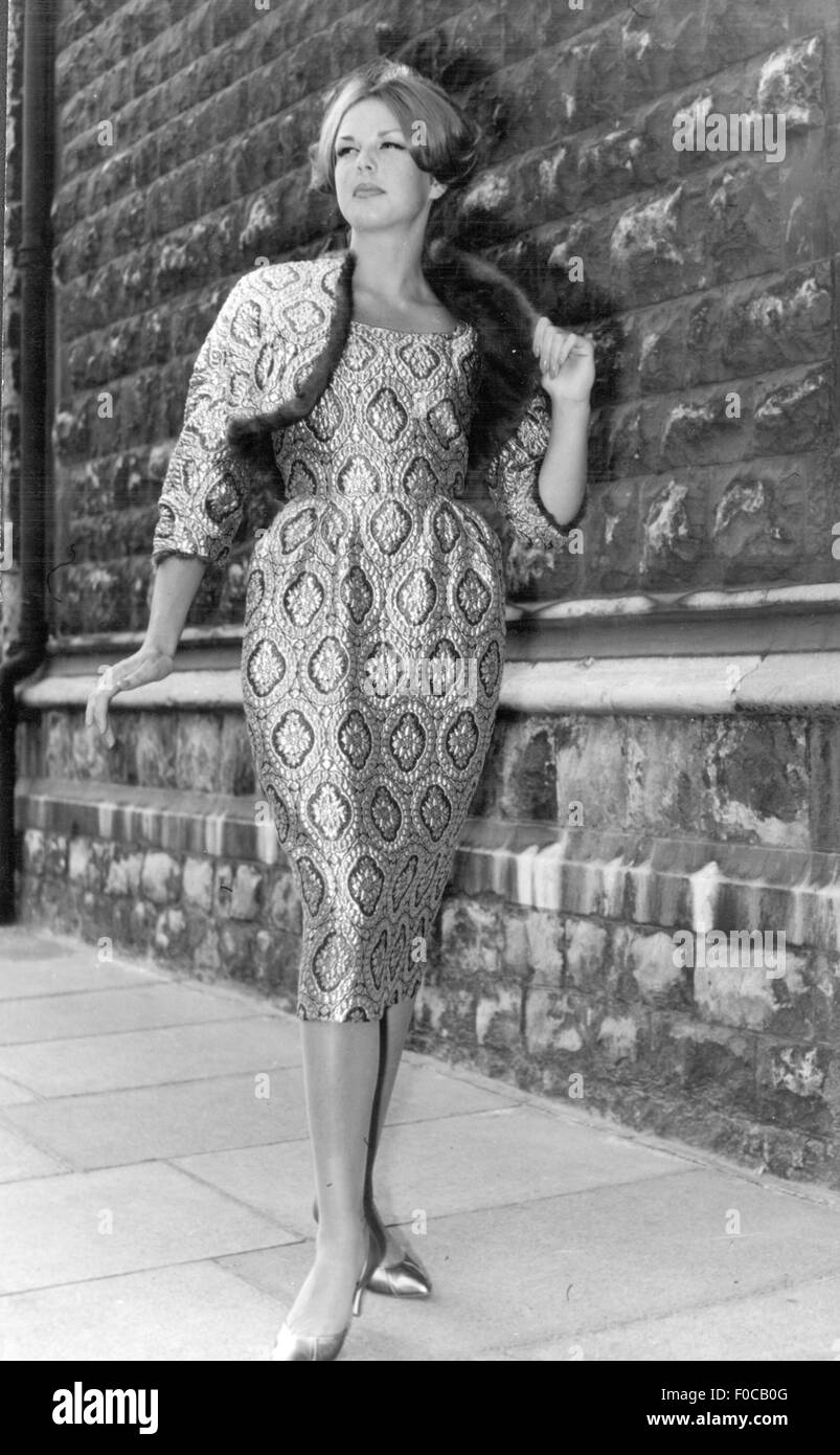 fashion, 1950s, evening fashion, dress for theatre visits, version 'Eugenie', 'La Chasse' line, - Stock Image
