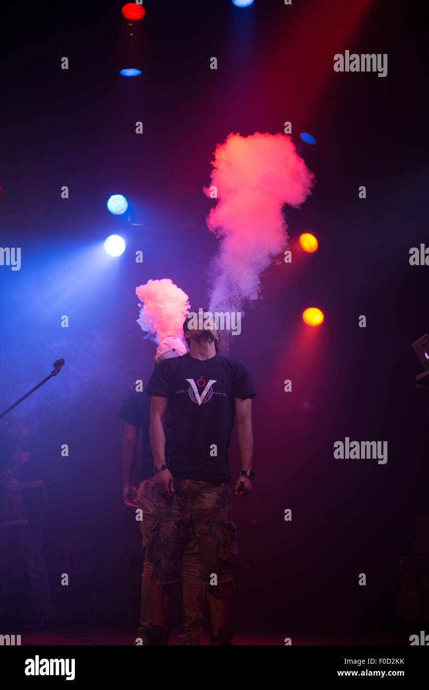 Contestants compete in a vaping contest in New York to see who can create the largest vapor cloud - Stock Image