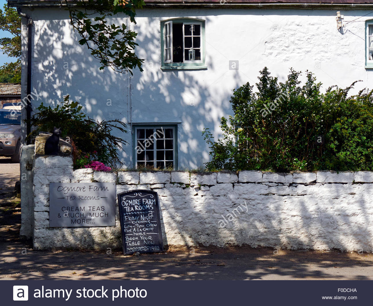 Ogmore farm tea rooms by ogmore castle in south wales uk Stock Photo