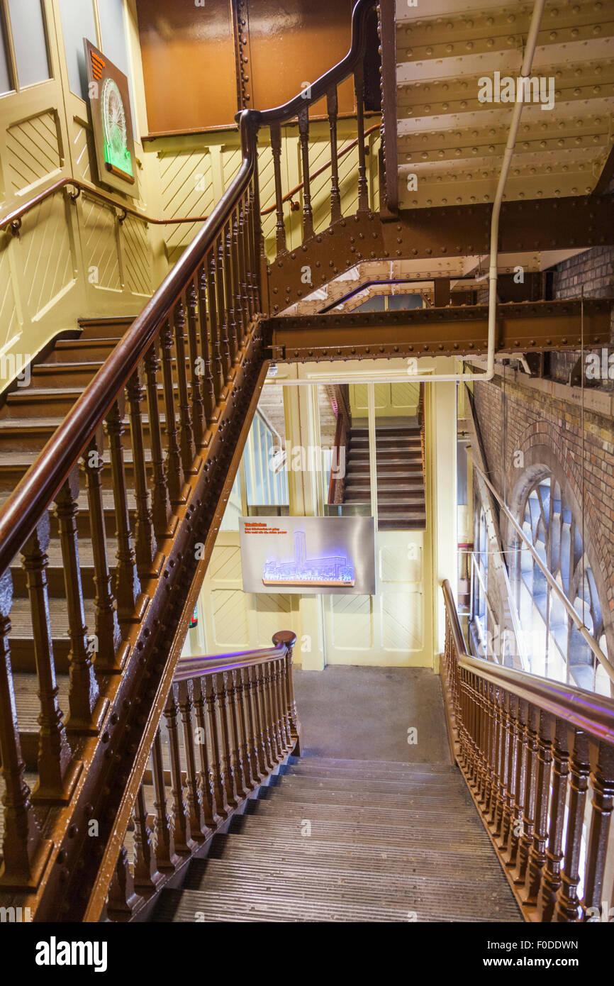 Superior England, London, Tower Bridge, Interior Stairway