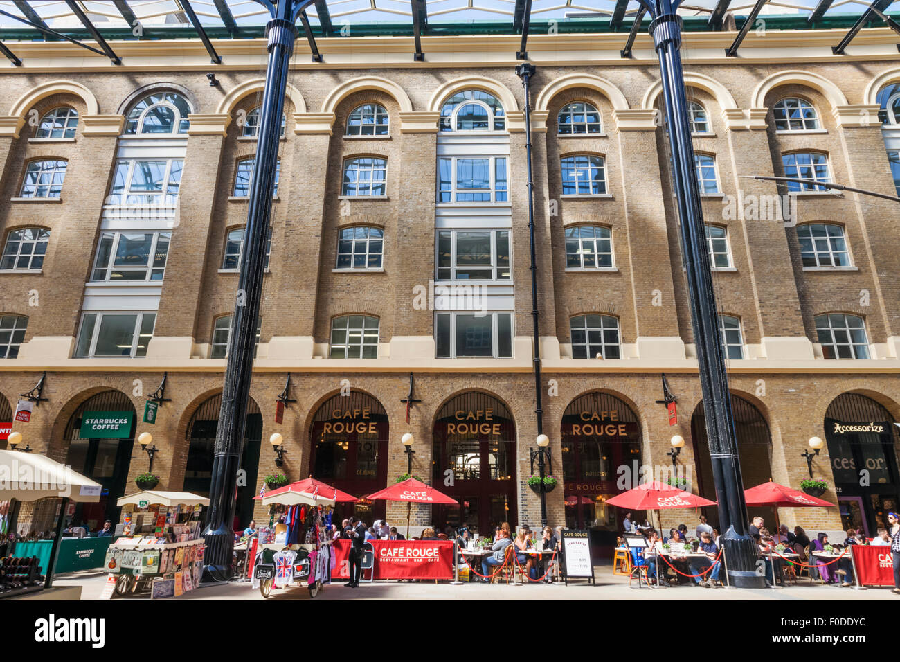 England London Southwark Hays Galleria Restaurants Stock Photo