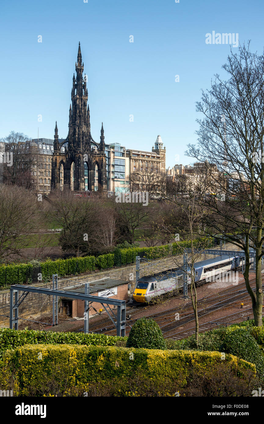 East Coast train approaching Edinburgh Waverley railway station, Scotland, United Kingdom. - Stock Image