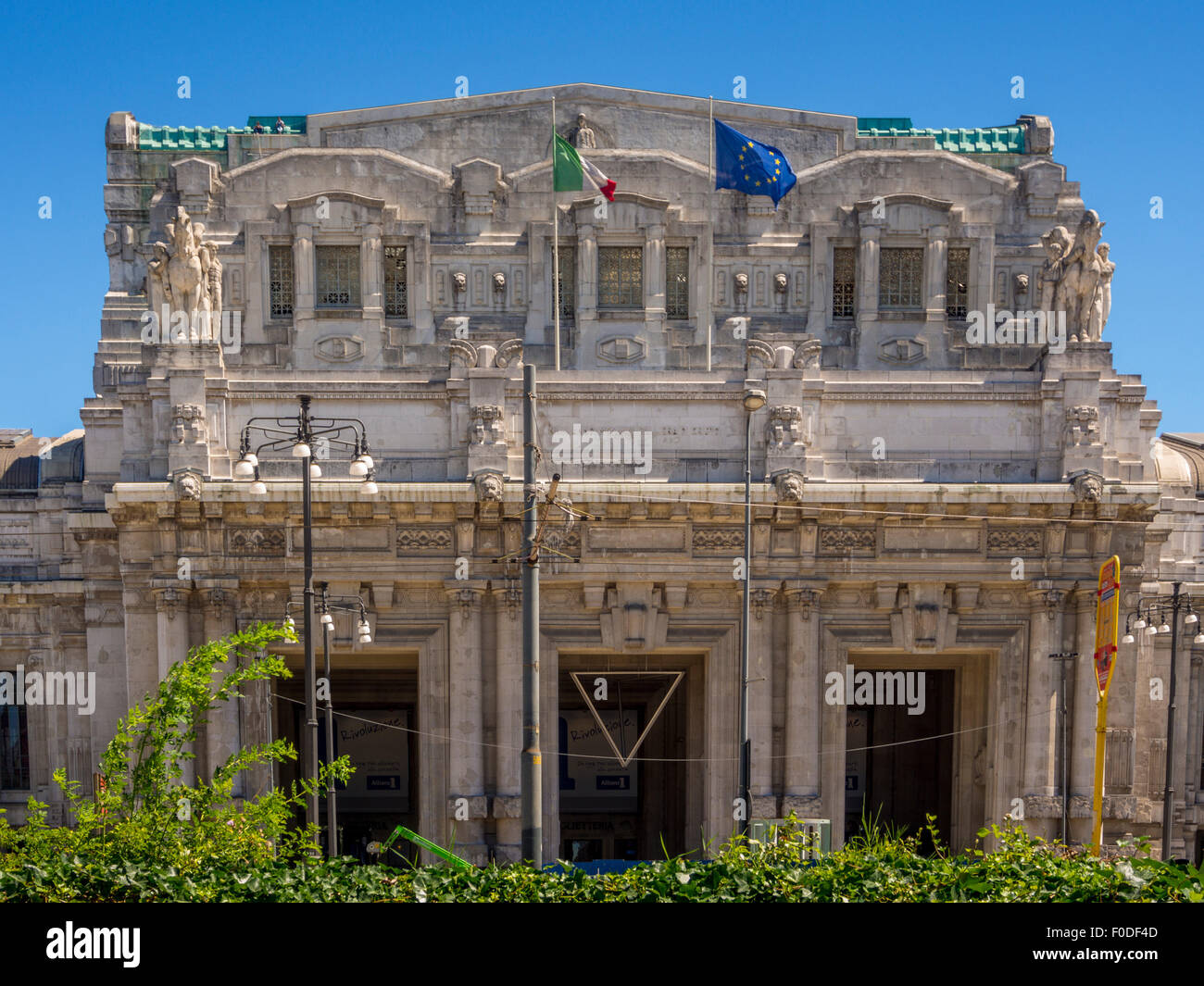 Exterior of Milano Centrale, Piazza Duca d'Aosta - Stock Image