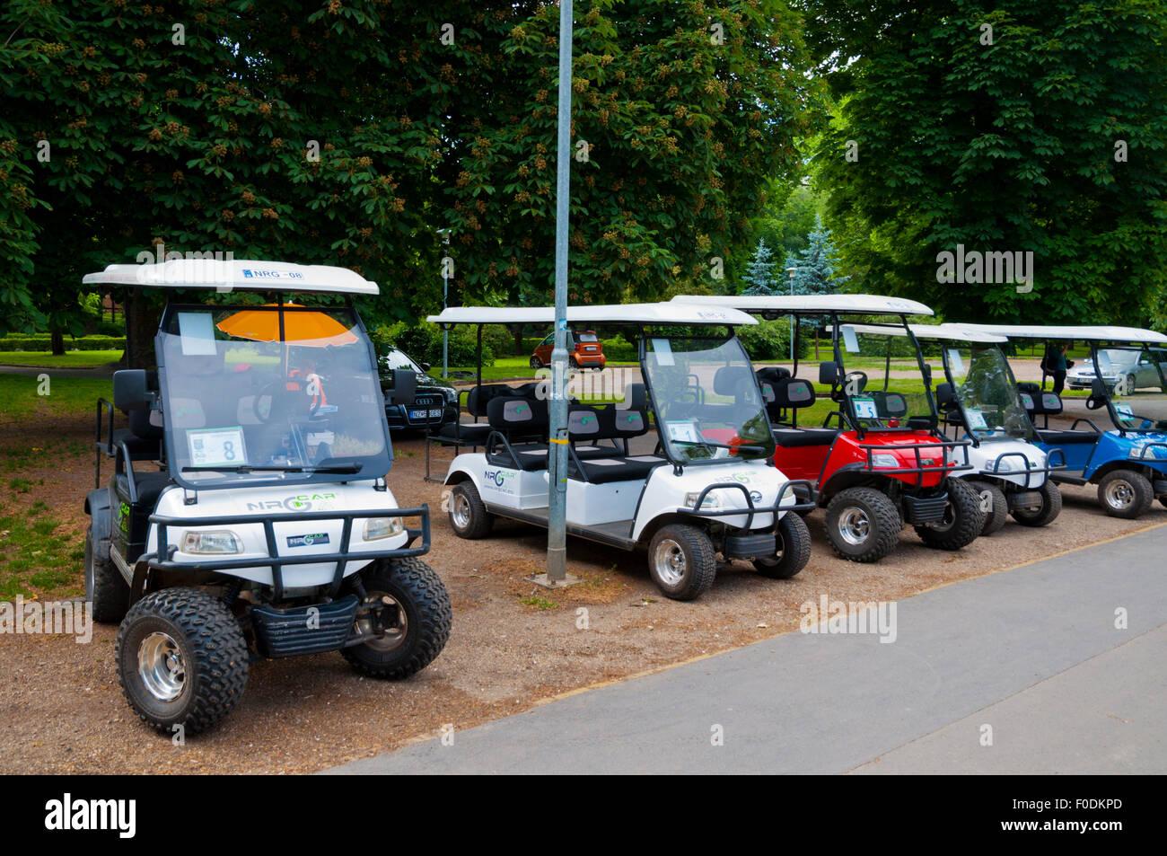 Golf carts stock photos golf carts stock images alamy for Narrow golf cart