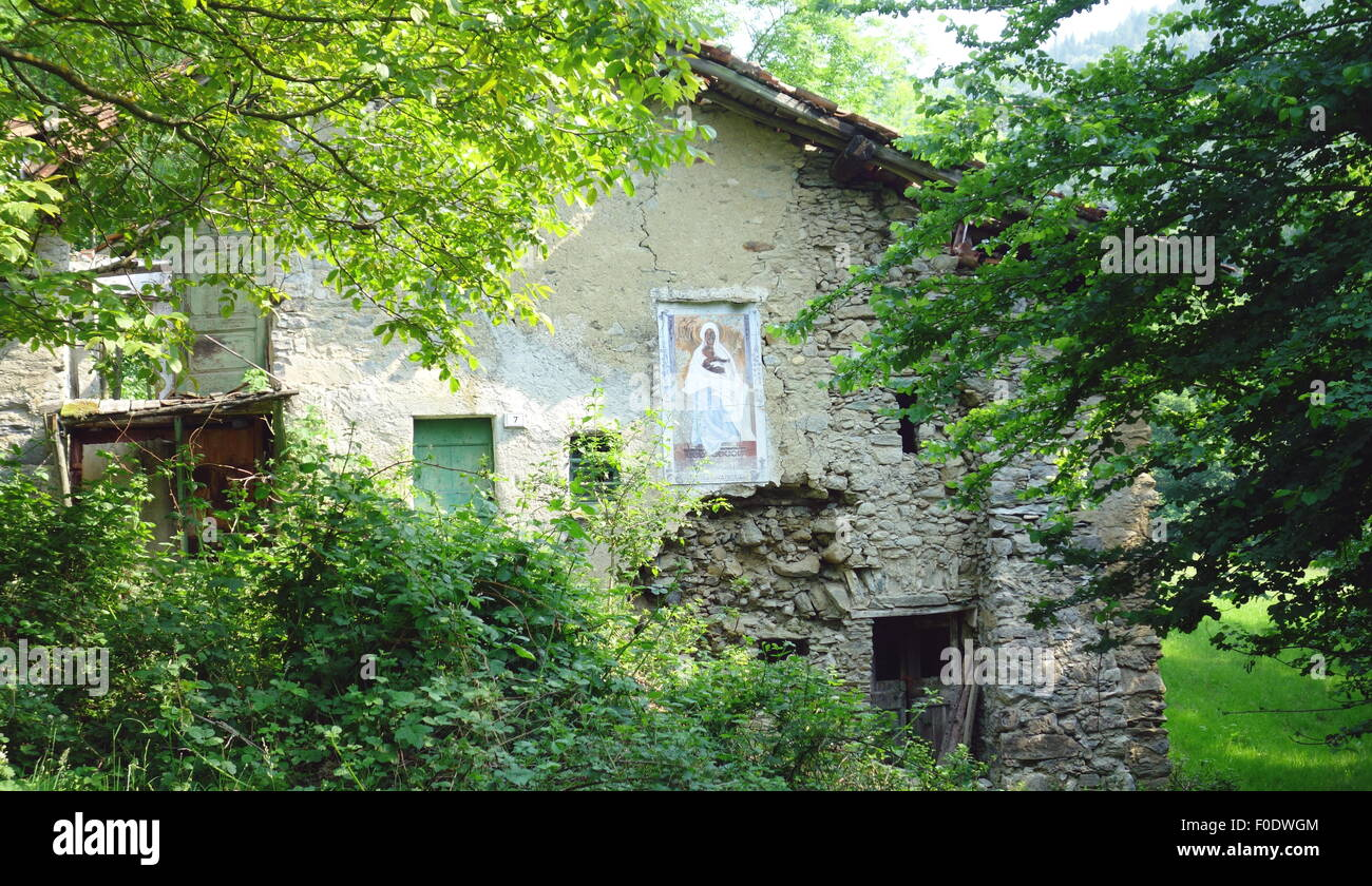 Rustic House In The Woods Above Lake Como Italy