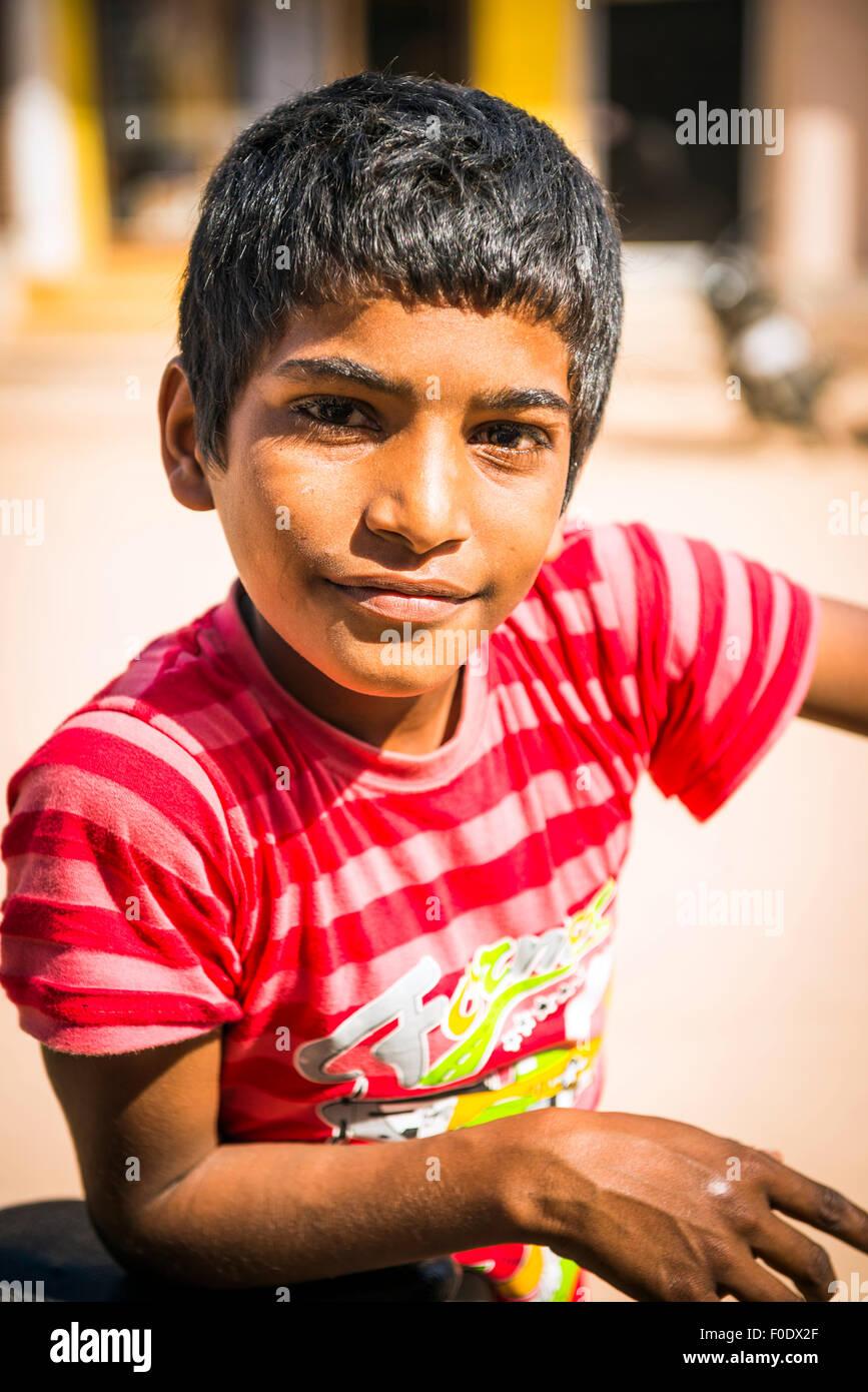 Portrait of a young Indian boy in Khajuraho, Madhya Pradesh, India - Stock Image