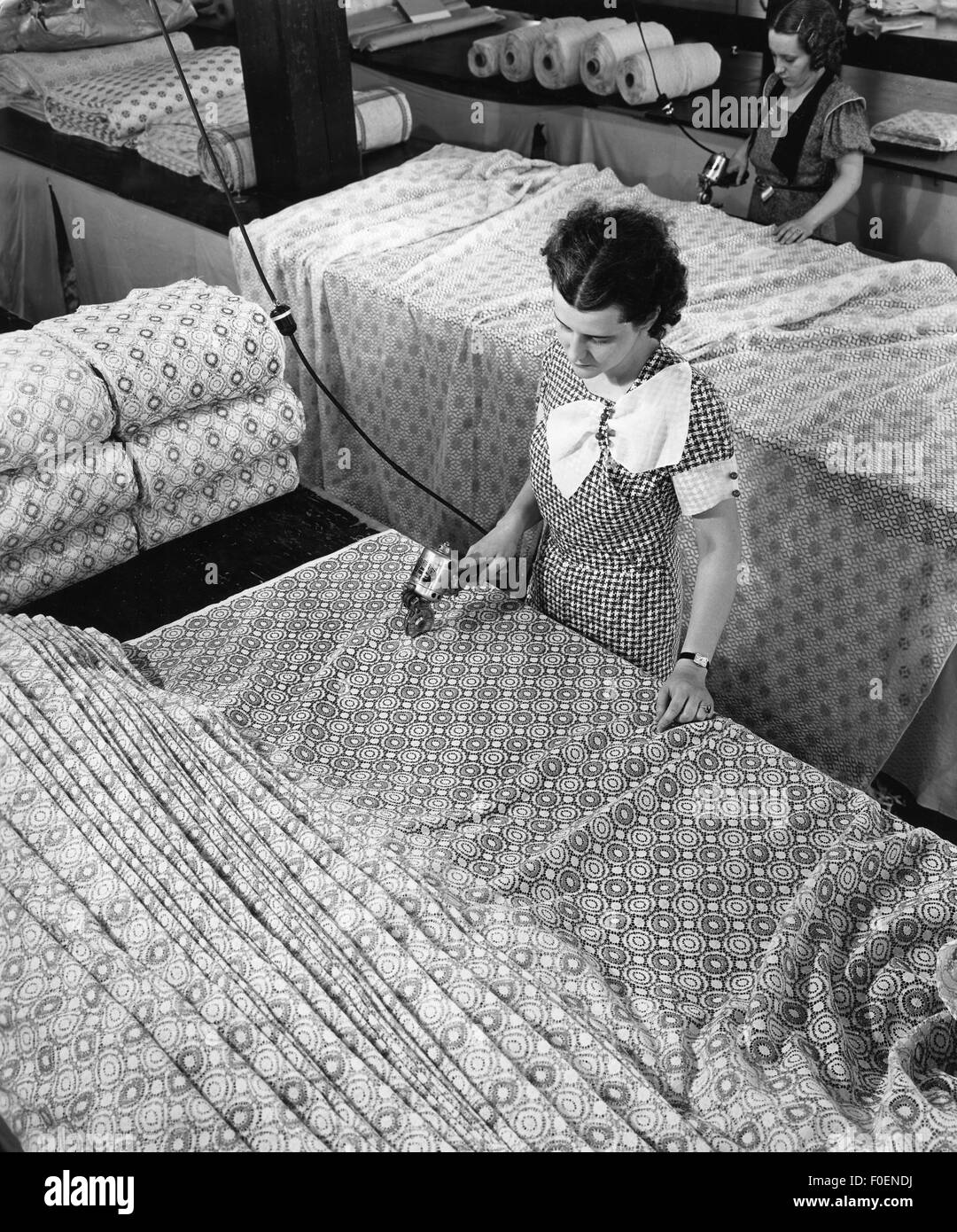 industry, textiles, women tailoring fabrics, American Fabrics, Bridgeport, 1950s, Additional-Rights-Clearences-NA Stock Photo