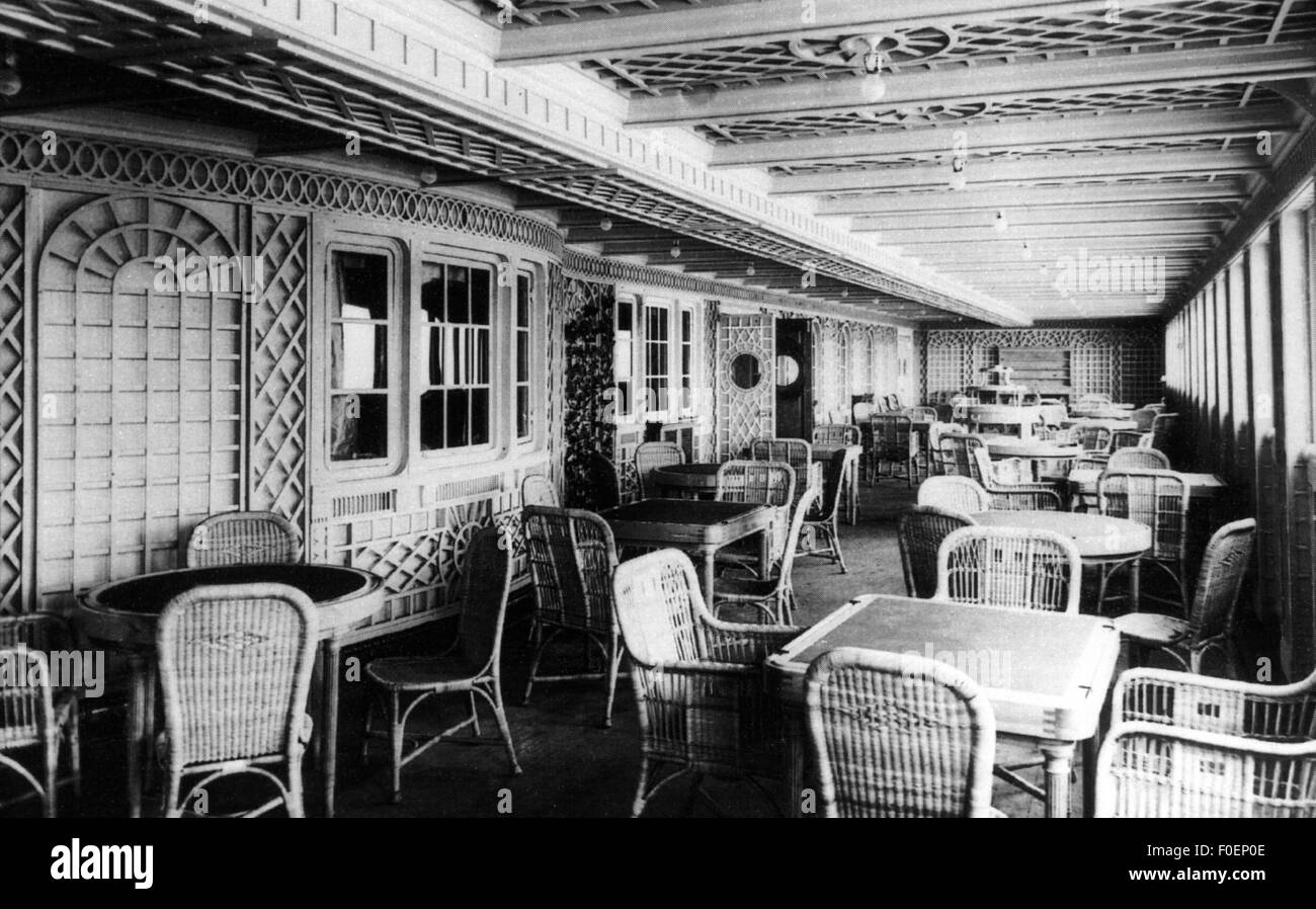 transport, navigation, RMS Titanic, 'Cafe Parisien' or 'The French Cafe', on the starboard side, - Stock Image